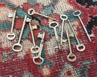 Vintage Skeleton Keys - Group of 8 Skeleton Keys