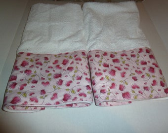 Valentine's Day Roses and Hearts on Delicate Pink Decorative Hand Towels (Set of 2)  for Kitchen, Bath or Powder Room