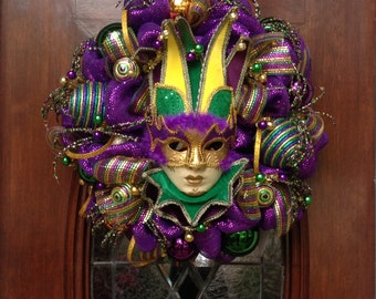 Large Mask Deluxe Mardi Gras Wreath