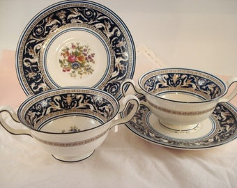 Vintage Wedgwood Soup Bouillon Cups and Saucers Florentine Pattern Cobalt 2 Handled Soup and Saucer English Bone China Vintage Wedding
