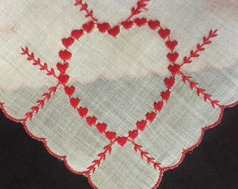 EMBROIDERED HEART HANKY 1960's Valentine red hearts Scalloped Edges hankies H-118