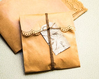 Mini paper bags kraft  brown great quality  (set of 10) 9,5cm x 13cm plus flap (bags made in germany, hand-made lace cut)