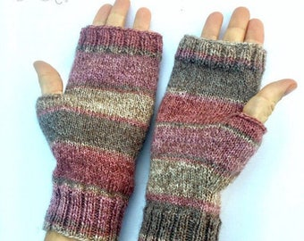 Pink/peach and brown fingerless gloves