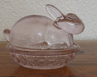 Vintage Glass Rabbit On Nest/Basket Trinket Candy Dish LE Smith Easter Pink