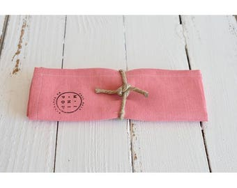 Napkin in pink linen and hemp, sustainable and eco-friendly towel round his