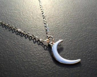 Silver Moon Necklace, Sterling Silver, Crescent Moon, Moon Pendant, Dainty Necklace, Silver Layering Necklace, Gift Under 30  1262