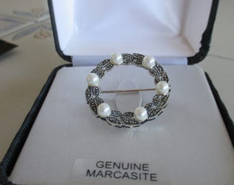 Vintage Sterling Silver Genuine Marcasite White Pearl Round Brooch, Vintage Marcasite Brooch, Birthday, Anniversary, Wedding Brooch