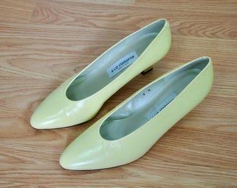 Vintage Lemon Yellow Heels, Vintage Liz Claiborne Pumps, 9M