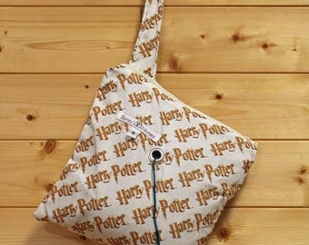 Knitting Bag, Crochet, Knit, Yarn, Wool, Harry Potter, Yarn Storage, Yarn Bag with Hole, Grommet, Handle, SYB146