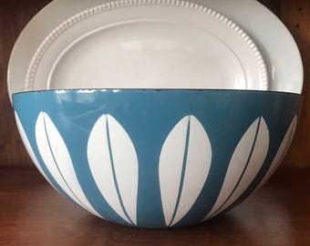 Cathrineholm Lotus Bowl, 11 Inch / Blue and White Lotus Bowl / Catherineholm Bowl / Cathrineholm Lotus / Grete Prytz Kittelsen / Norway
