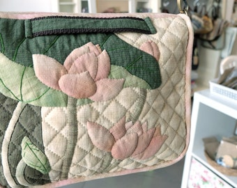 quilt bag / cross body applique and hand sewing / lotus applique