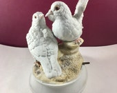 GORHAM Music Figurine Love Birds Plays Love is a Many Splendored Thing - White Doves Music Box 1970s