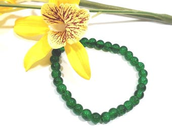 Emerald green crackle glass stackable stretch bracelet, gift for her, womens gift, mens bracelet, meditation bracelet, anxiety beads
