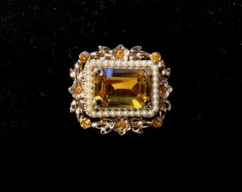 Vintage Signed: Coro Brooch with Large Emerald Cut Center Stone, 1940