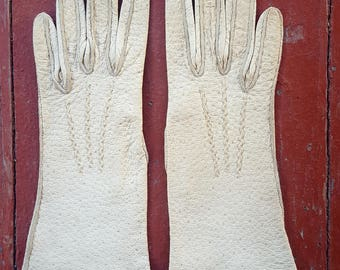 Sz 6 1/2 Vintage Womens White Leather Gloves (Pig Skin?)