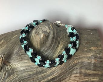Bracelet, Black and mint green beaded with magnetic clasp