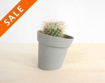 Distorted planter, modern skew design pot for flower or plant - herbs pot for growing herbs - home garden- studio lorier