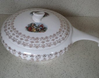 Colonial Couple Casserole - Wolfe Furniture
