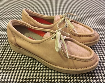 1980's, leather, Wallabee style, comfort/walking shoes, in pale ballet pink, by Rockport, Women's size 7.5M