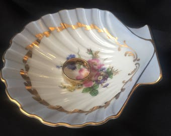 vintage SHELL PIN TRAY porcelain made in Germany 4D