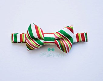 Boys Red Green Christmas Bow Tie..Boys Bow Tie..Boy Holiday Bow Tie..Christmas Photo..Santa Bow Tie..Cake Smash..1st Birthday Boy..Christmas