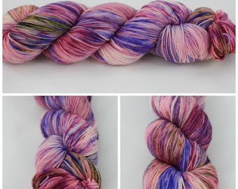 SW Merino & Worsted - Hand dyed yarn {Berry Kiss} hand dyed sock yarn, speckled sock yarn, speckled purple yarn, pink yarn