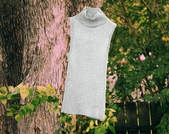 Silver Knit Sleeveless Turtleneck Top - Size XS - Resale