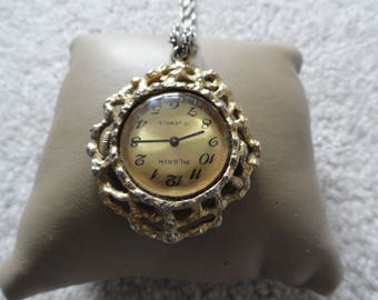 Vintage Pilgrim 17 Jewels Wind Up Necklace Pendant Watch