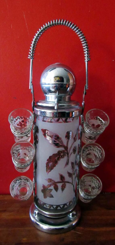 Art Deco Barware decanter and shot glasses