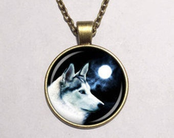 wolf glass picture pendant necklace