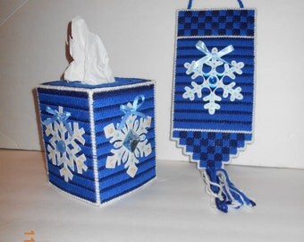 Snowflake Tissue box cover and matching wall hanging- Plastic canvas, snowflakes, winter, kleenex box cover