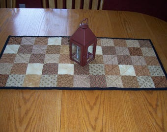 """SALE Quilted Table Runner 32"""" x 15"""" Country Primitive beige gold tan cream black checkerboard Cotton Table Mat Runner Home Decor #103"""