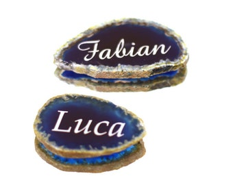 blue agate slice with engraved name as wedding favour party favour name card table decoration for marriage christening birthday giveaway