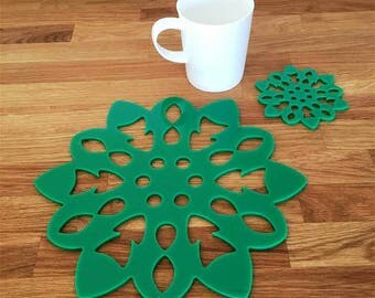 Snowflake Shaped Placemats or Placemats & Coasters - in Green Gloss Finish Acrylic 3mm