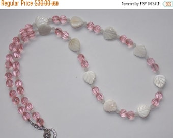 20%OFF Pink Mother of Pearl Leaf Necklace
