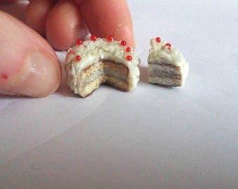 coconut cake 1:12 miniature and coconut