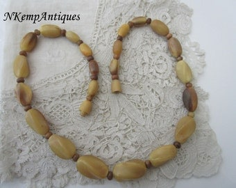1920's horn necklace