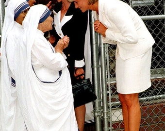 Princess Diana meeting Mother Teresa photo print