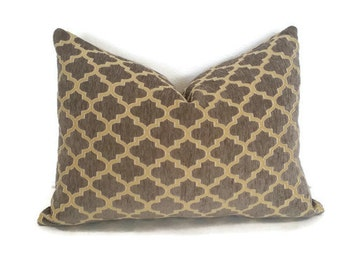 "14"" x 20"" Gold Trellis on Tan Chenille Lumbar Pillow Cover"