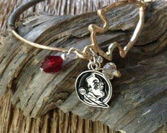 FSU arrowhead bracelet with garnet and gold beads: Florida State Seminoles bracelet with arrowhead and leather, Arrowhead bracelet, FSU