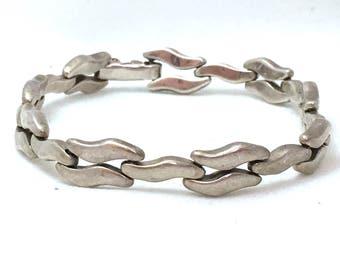 Sterling Silver Chain Bracelet, Silver Wave Link Bracelet, 925 Mexico Silver Wavy Modernist Heavy Gauge Curved Tilde Bracelet, Unisex