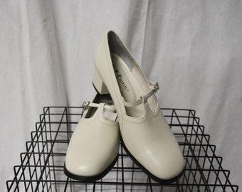 Vintage/ Grunge/ White/ Mary Jane/ Heels
