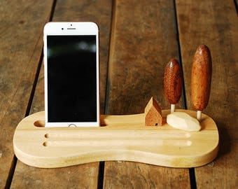 Wood dock stand for iPhone and Smartphone. pen. pencil stationary. Office desk decoration. Recycled wood