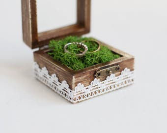 Wedding Ring Box With Moss - Glass Box, Ring Bearer Box, Wedding Box With Lace Trim Rustic Wedding Box Wedding box Romantic wedding Handmade