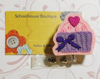 Sweetheart Cupcake felt badge reel, name badge holder, nurse badge, ID holder, badge reel, retractable badge clip,feltie badge reel