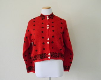 Vintage ladies knit red and black button up hipter sweater scoop neck cropped sweater acrylic