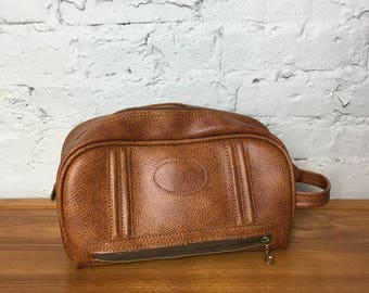 Vintage Vinyl Dopp Kit (Bag)
