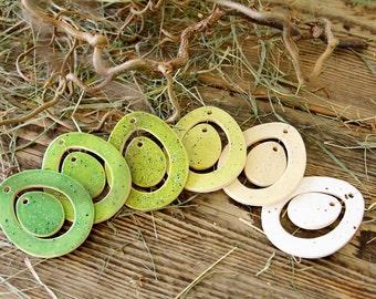 6 Pendant of ceramic, 2-piece, ovate, Easter Egg
