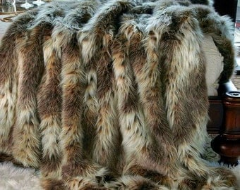 Luxurious Arctic Fox Faux Fur Throw Blanket  - Brown Diamond Tip Fox - Silky Soft Minky Cuddle Fur Back - Fur Accents Designs USA