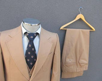 Classic 1970s Vintage 3 Piece Suit / Wool Jacket Vest Pants / Tan Three Piece Suit Size 38 Medium Med M / 70s Wedding / Union Made In Canada